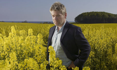 Kenneth-Branagh-as-Wallan-001
